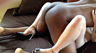 Interracial cuckold, Shoes, Delivery, Delivery man