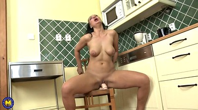 Mother, Anne, Granny mature, Mothers, Mature hot, Feeding