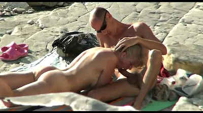 Beach voyeur, Hidden camera