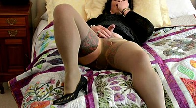 Cd, Nylons, Layered