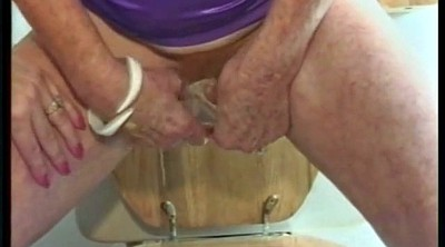 Hairy mature, Shower hairy