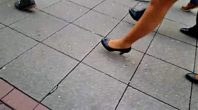 Walking, Skirt