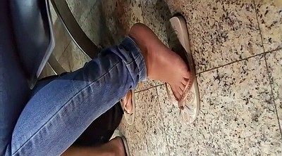 Candid, Toes
