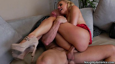Dirty, Lexi belle