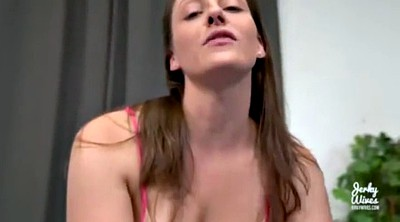 First cumshot, Brunette mom