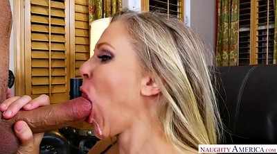 Julia, Blonde mature