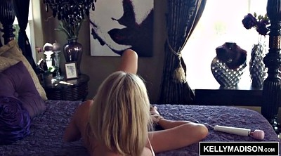 Kelly madison, Kelly, Bug