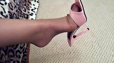 Shoes, Milf, Stocking foot, Dangling, Stocking feet, Stockings foot