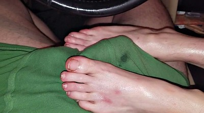 Milf feet, Car footjob