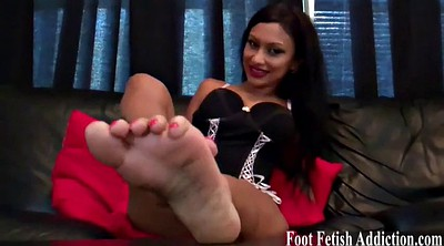Licking foot, Long toes
