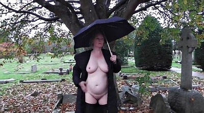 Wife, Pee outdoor