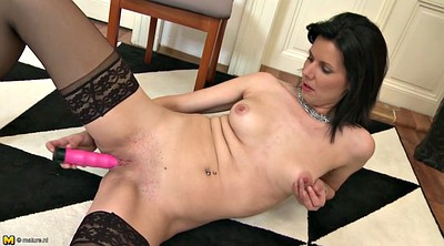 Matures, Hot mom