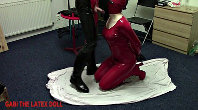 Rubber, Dolls