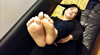 Asian feet, Mature feet