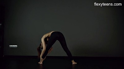 Nude, Flexible
