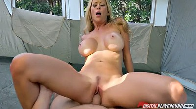 Busty cougar, Alexis fawx