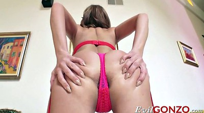 Destroyed, Britney amber
