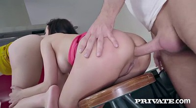 Lick ass, Latina threesome