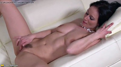 Clit, Real mom, Rubbing, Amateur mature