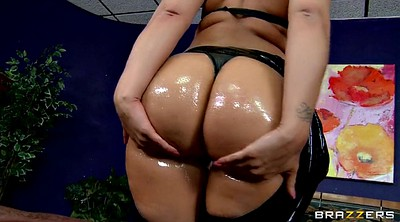 Huge tits, Kelly divine, Leather, Shaking, Big ass solo, Big tits solo