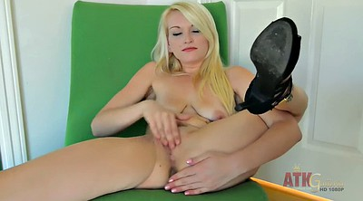 Babes, Fingers solo hd
