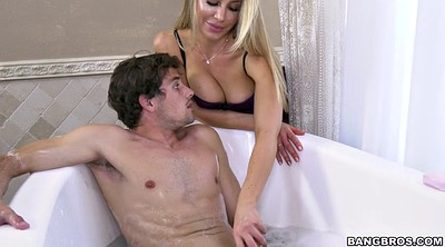 Nicole aniston, Son shower, Bathroom