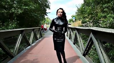 Latex, Outdoor