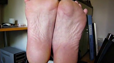 Mature feet, Face