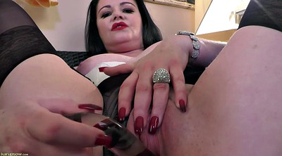 Solo shaved fingering, Show