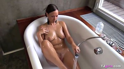 Solo shower, Laura