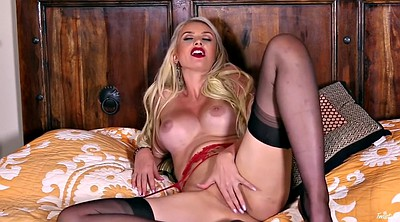 Cougar, Stockings solo