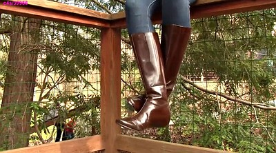 Boots, Shoeplay, Dangling