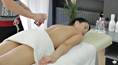 Crazy, Oil massage