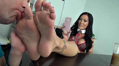 Foot mistress, Domination