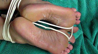 Tied, Sole