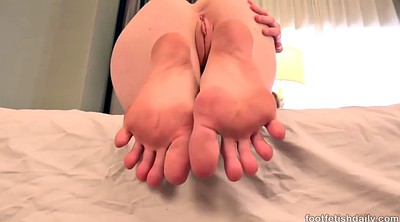 Abbey, Photos, Foot solo