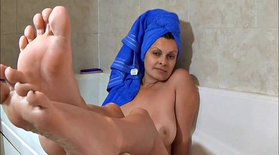 Bath, Mature feet