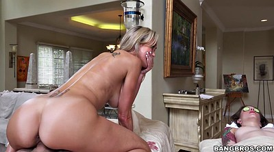 Brandi love, Table
