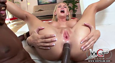 Club, Black creampie