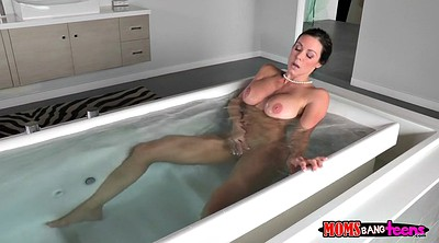 Kendra lust, Shower solo