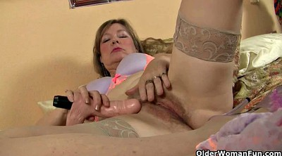 Mature nylon, Stocking mature, Leigh