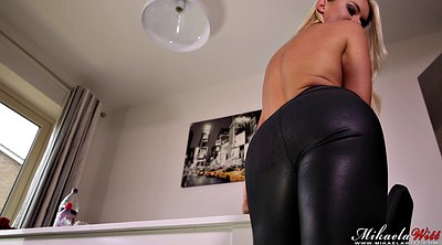 Leather pants, Pants, Tight pants, Solo booty, Pant, Big booty solo