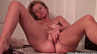 Mature solo, Hot mature