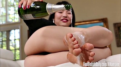 Asian foot, Toes, Asian feet, Bottle, Park