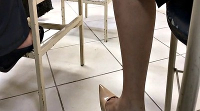 Shoeplay, High heels, Dangling