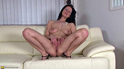 Real mom, Cougar, Clit, Mature mom