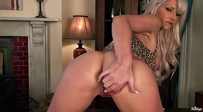 Blonde mom, Milf solo