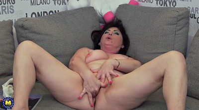 Mature amateur, Chubby mom, Mom pussy
