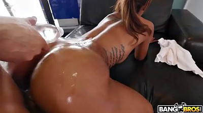 Oil massage, White ass