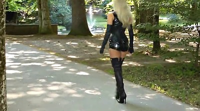 Latex, Blonde black